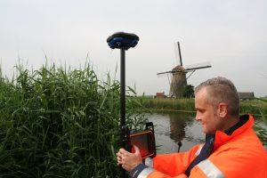 GPS land surveyor